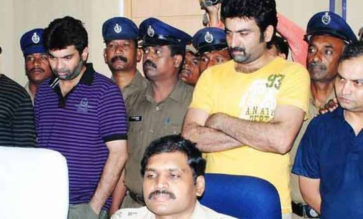 actor ravi teja s brother booked for misbehaviour