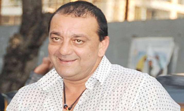 actors don t fit into politics completely says sanjay dutt