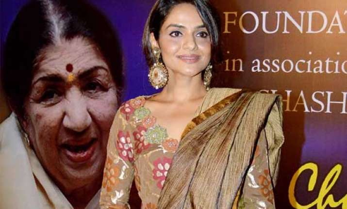 actress madhoo wants challenging roles like big b rishi