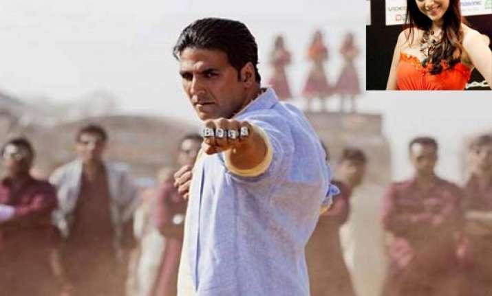 aditi finds akshay incredible actor