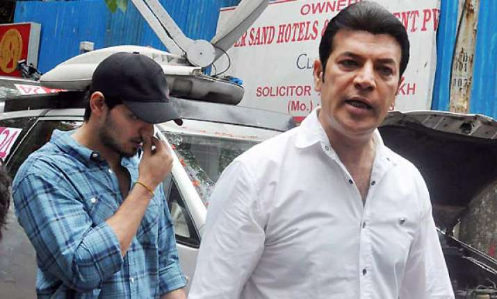 aditya pancholi bashes up a neighbour case lodged