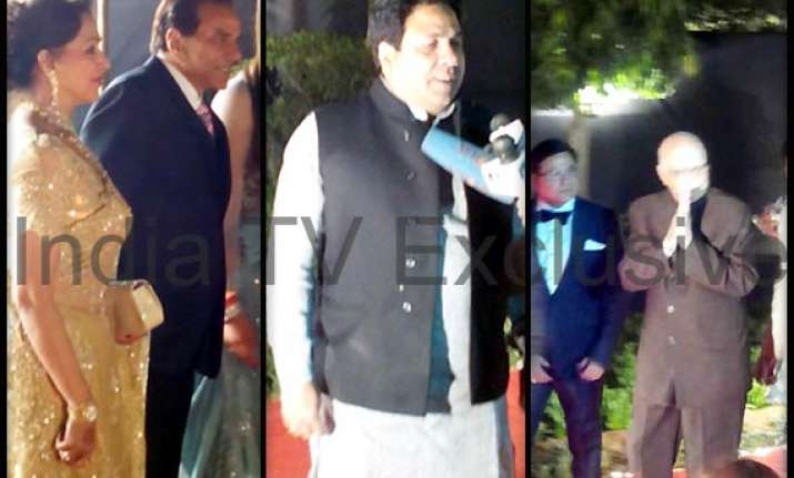 ahana deol wedding reception l k advani dharmendra hema