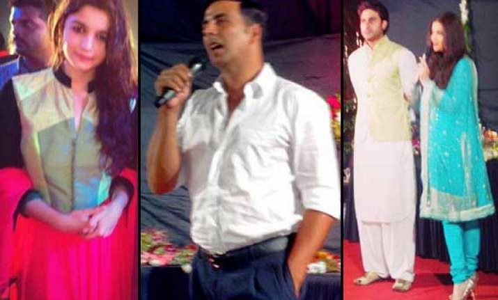 aishwarya alia akshay abhishek celebrate navratri view pics