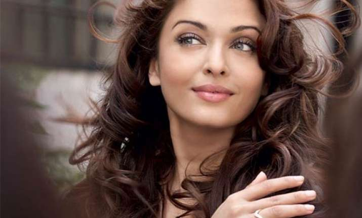 aishwarya rai to comeback with mani ratnam s film