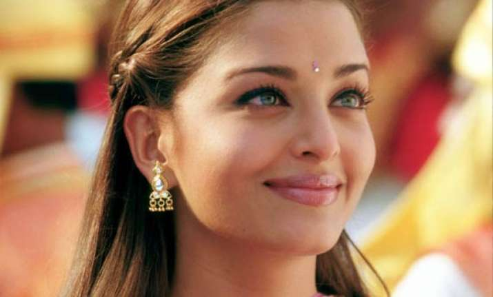 aishwarya had a normal delivery discloses amitabh