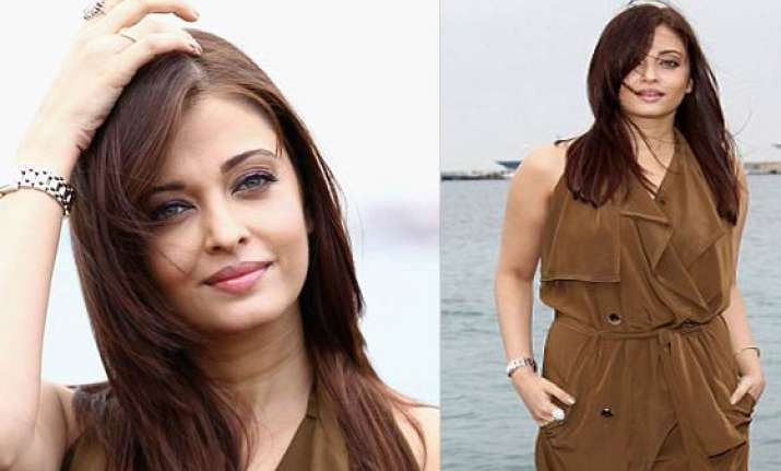aishwarya wears a pretty brown dress at cannes