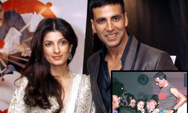 akshay kumar twinkle to be prosecuted for obscenity