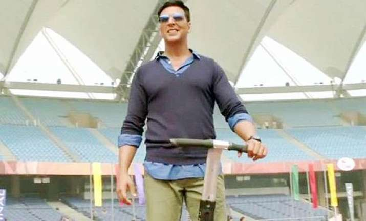 know who slapped akshay kumar in holiday