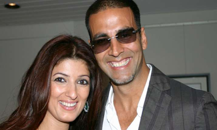 akshay and twinkle to become parents again in sept