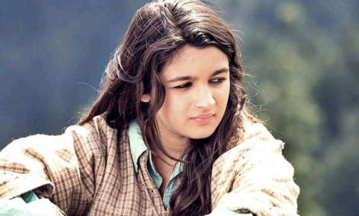 alia bhatt s highway makes just rs 18.23 cr in five days