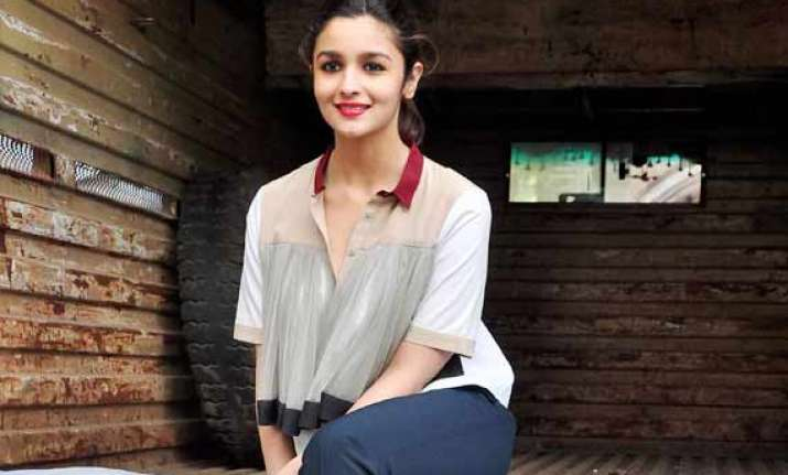 alia wants to be directed by her father mahesh bhatt
