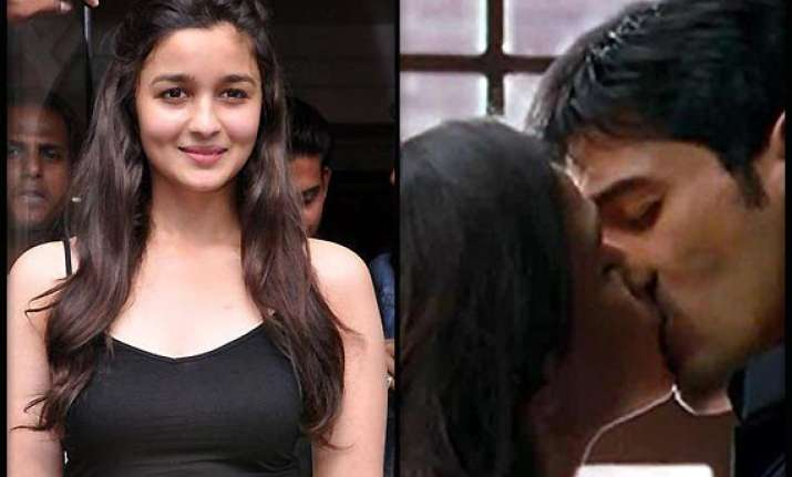 alia bhatt has no qualms doing bold scenes see pics