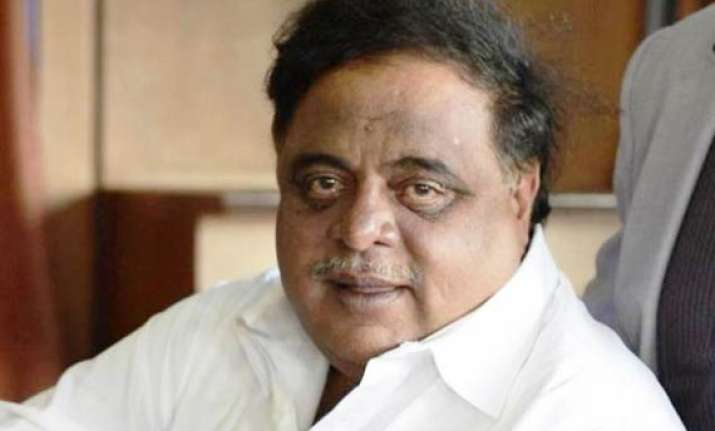 kannada star actor cum minister ambareesh s health stable
