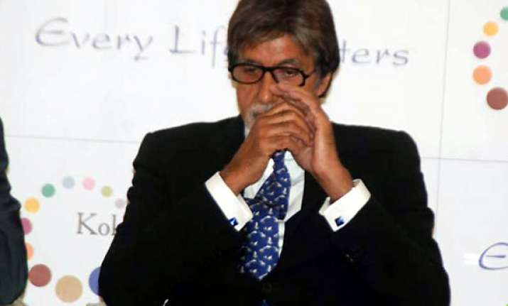 amitabh bachchan down with fever