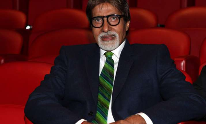 amitabh bachchan to undergo surgery
