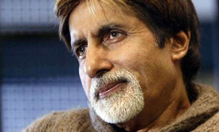 amitabh bachchan undergoes surgery doing fine