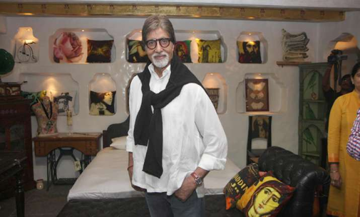 amitabh bachchan happy with growing extended family