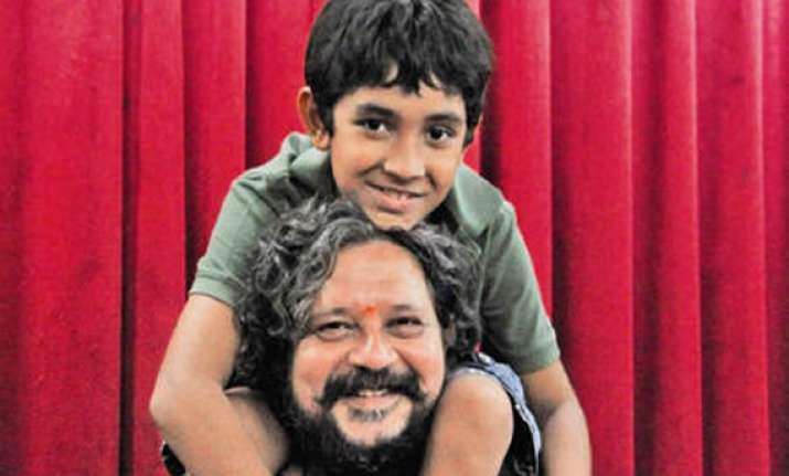 amol gupte s hawaa hawaai to feature his son partho saqib