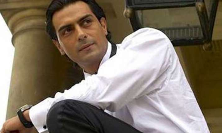 arjun rampal launches official facebook page