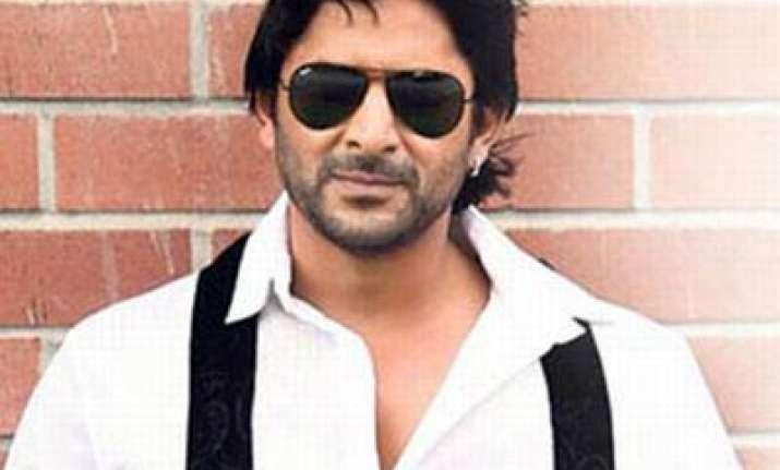 arshad warsi plays lawyer in jolly llb