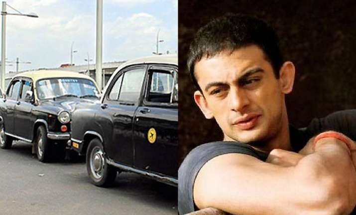 arunoday singh had a tough time with cab drivers during pizza shooting bollywood news india tv. Black Bedroom Furniture Sets. Home Design Ideas