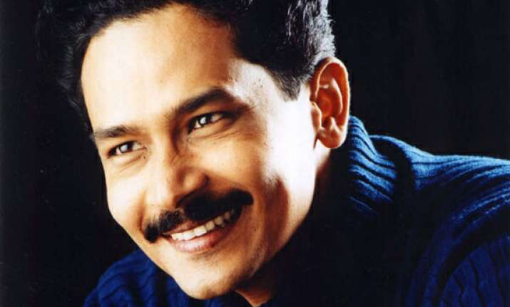 atul kulkarni in a new and original role in zanjeer remake
