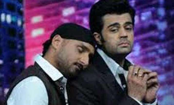 bhajji and manish bromance on mad in india