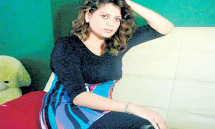 bhojpuri actress sapna alleges molestation by producer
