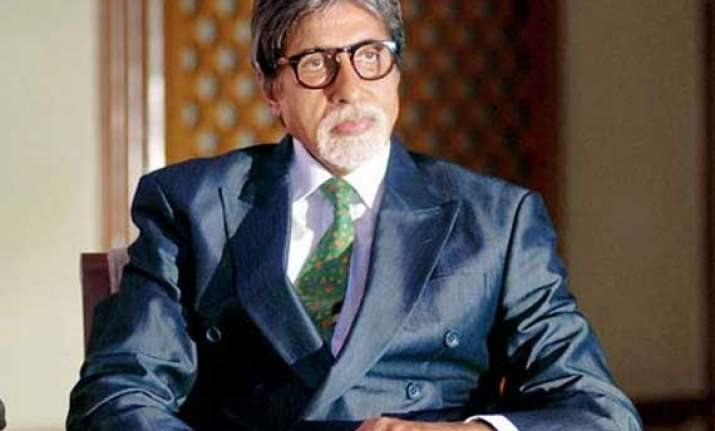 big b in bhopal to shoot satyagraha