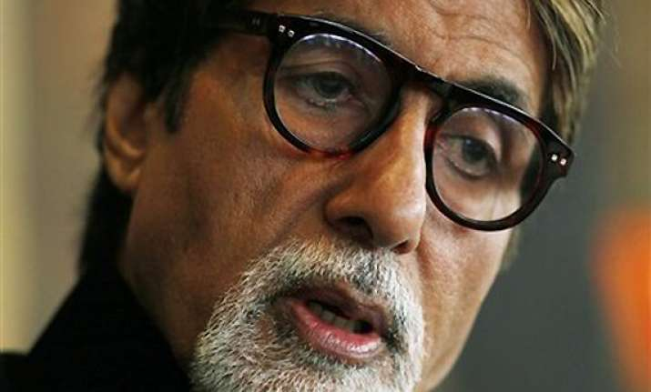 big b steps in aankhen sequel again