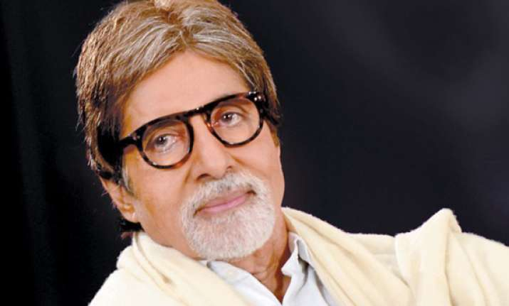 big b donates rs 2.5 lakh prize money to delhi constable s