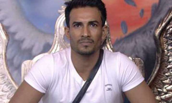 bigg boss 7 asif azim eliminated from the house view pics