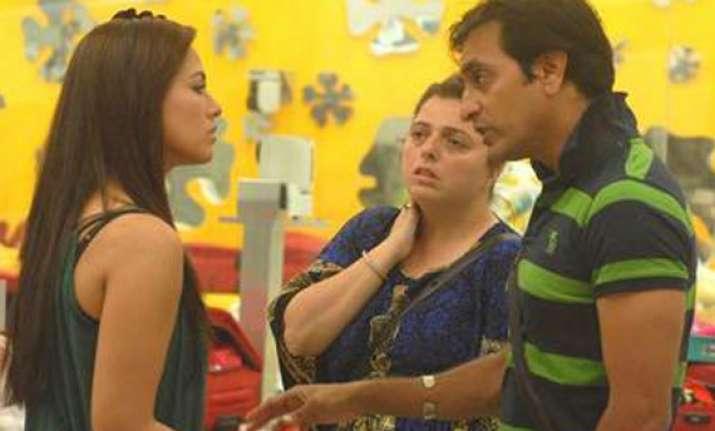 bigg boss delnaaz rajeev sana a love triangle in the house