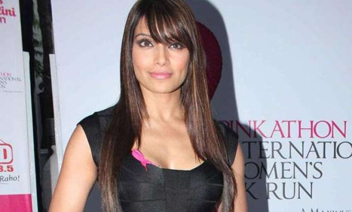 bipasha basu s new year resolution all about fitness