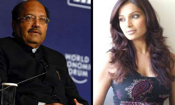bipasha says voice in amar singh s tape is not hers