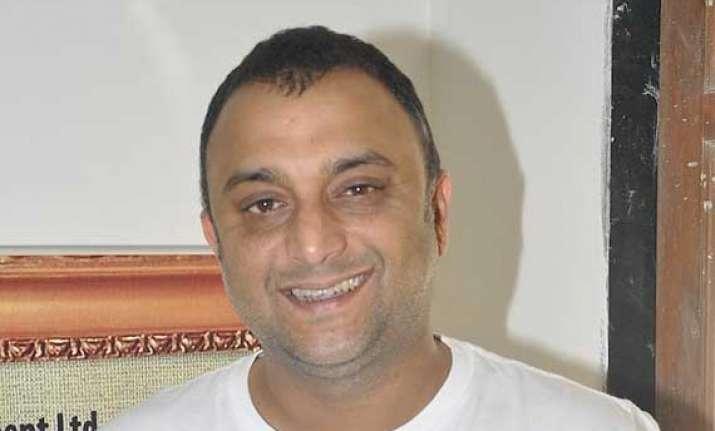 bollywood producer samir karnik arrested for service tax