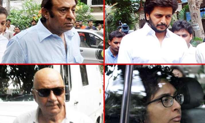 bollywood stars attend funeral of jiah khan watch pics