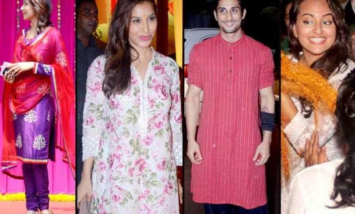 bollywood stars join salman khan in ganesh visarjan view