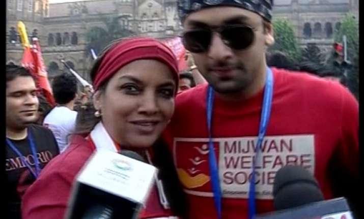 bollywood stars flock to take part in mumbai marathon