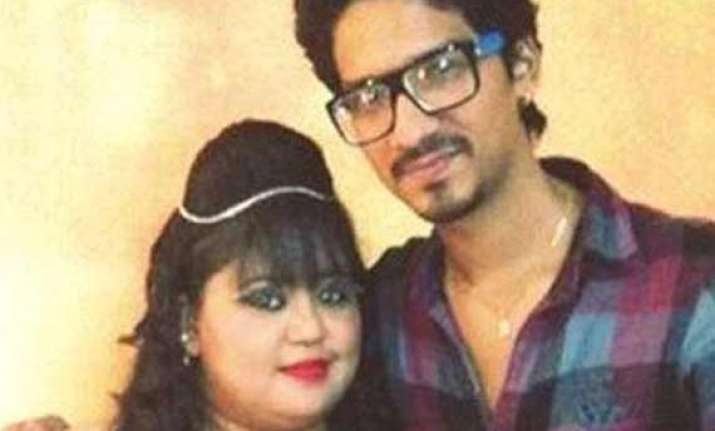 comedian bharti engaged to 7 years younger comedy circus