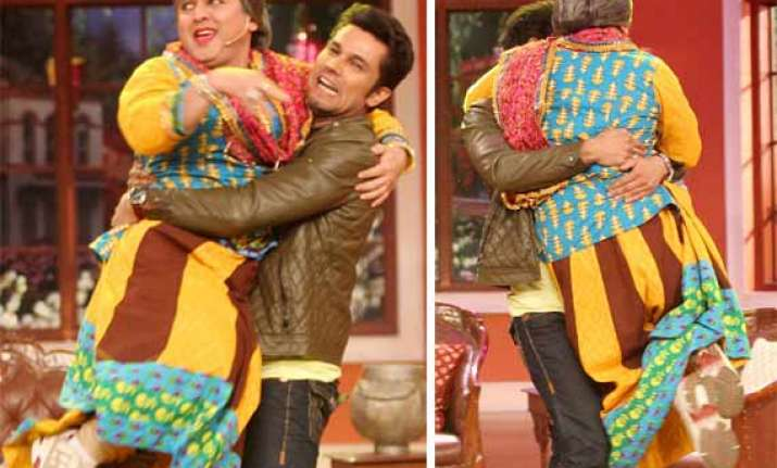 comedy nights with kapil highway star randeep hooda lifts