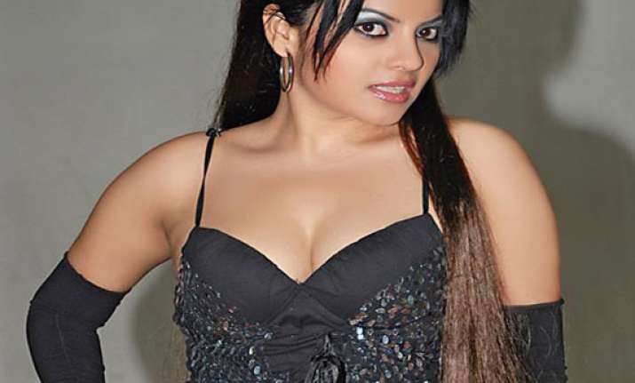 dancing doll shradha sharma to turn singer