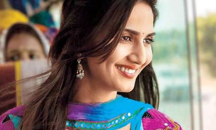 dating is cool says vaani kapoor
