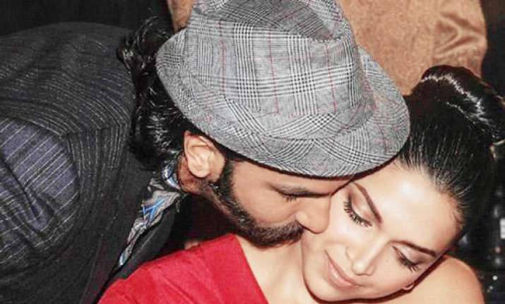 deepika ranveer to flaunt hot chemistry in aditya chopra s