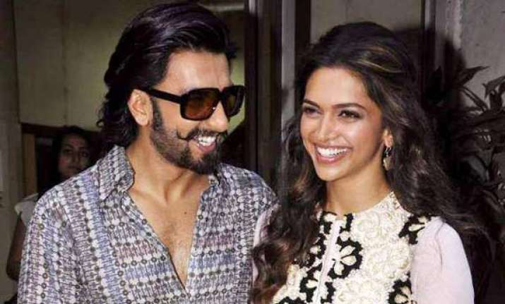 deepika stay over at ranveer s residence see pics