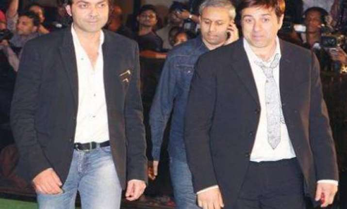 deol brothers skip esha s wedding