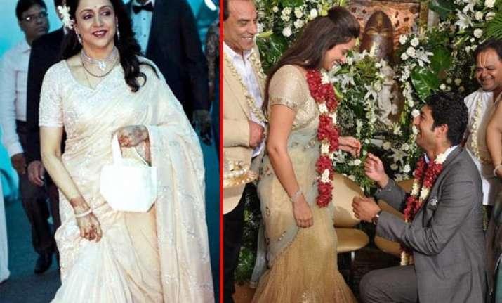 dharmendra hema malini at daughter ahana s engagement view