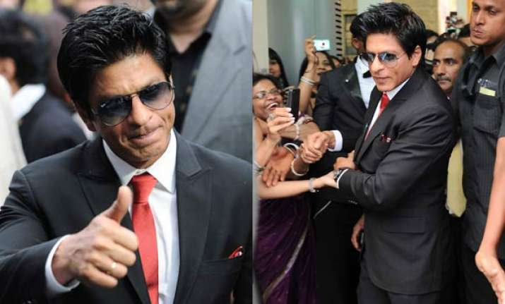 did not attend earlier iifa not because of big b says srk