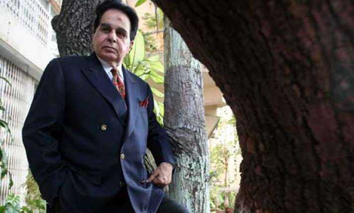 dilip kumar s biography to be launched