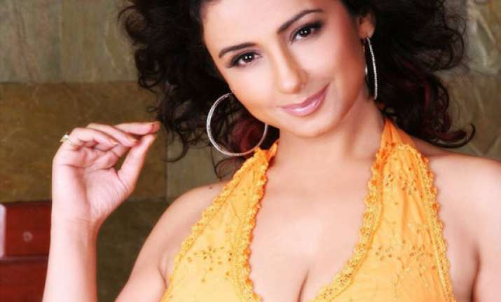 divya dutta plans to turn director